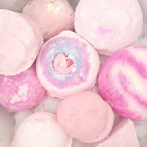 Pink Bath Bombs | 'Sex Bomb' by LUSH