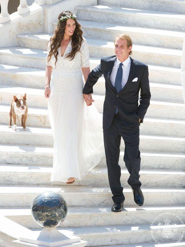 Si sono sposati oggi a Monaco in gran segreto la bella ereditiera colombiana, Tatiana Santo Domingo, e Andrea Casiraghi. L'abito della sposa? Missonihttp://www.sfilate.it/201933/abito-sposa-missoni-tatiana-santo-domingo-andrea-casiraghi