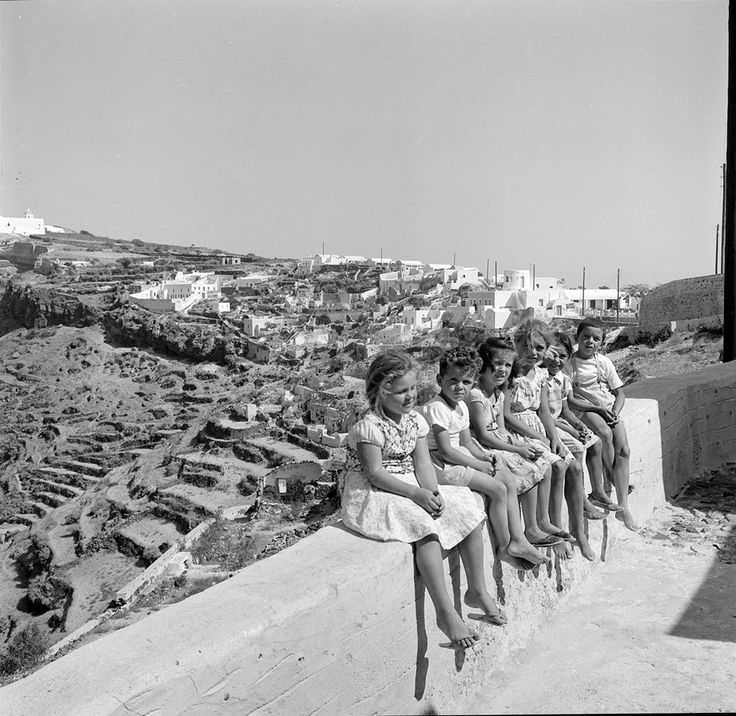 Santorini, 1962. Photo by Ioannis Lambrou.Benaki Museum Photographic Archive