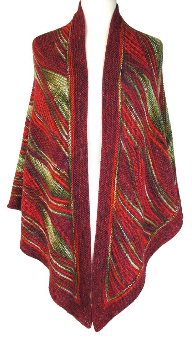 Fantastisk smukt sjal, som mange har ventet på at få på dansk. Det er nu frigivet fra Skeino. Det er ikke en let opgave, men det er udfordrende og kreativt. Her strikket i uld.
