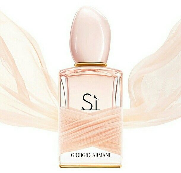 Şık, ihtiraslı, yoğun ve aynı zamanda yumuşak. 3 koku ailesinin lezzetini birleştiren bir parfüm; Giorgio Armani Si... İtalyan Bergamutu, İtalyan Mandalinası, Frenk Üzümü Neo Jungle Esansı® ile buluşturuluyor. Giorgio Armani Si avantajlı fiyatlarla Tuna Parfümeri'de sizleri bekliyor... #beauty #beautyful #parfume #women #beautycare #giorgioarmani #armani #giorgioarmanisi #cosmetics #instabeauty #kozmetik #guzellik #guzelliksirlari #parfum #kadinparfum #bayanparfum #kadin #bayan…