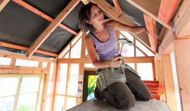 Lily is Building Herself a Tiny Home in New Zealand. At 5.5 metres long, 2.5m wide and 4.2m high, Duval's house fits under the New Zealand Transport Authority's definition of a light simple trailer.