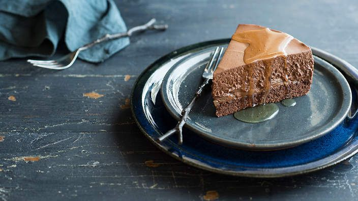 Chocolate, pear and rum mousse cake. Listen to the audio recipe.