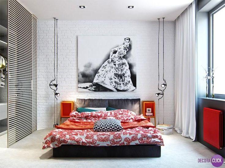 Hoje é dia de QUARTOS!  Um quarto moderno e sofisticado. O guarda roupa que possui portas com frestas é super bacana. Além disso os pendentes que vão até o chão, dão charme ao ambiente. O quadro grande em contraste com a parede de tijolos deixa o quarto super moderno.  #design #designer #arq #arquitetura #mobiliario #DecoraClick #quartos #decoracaodequartos #quartomoderno  Projeto: Denis Svirid.