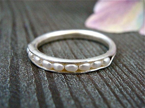 Petite parel stapel ring... Sterling Zilver van sirenjewels op Etsy