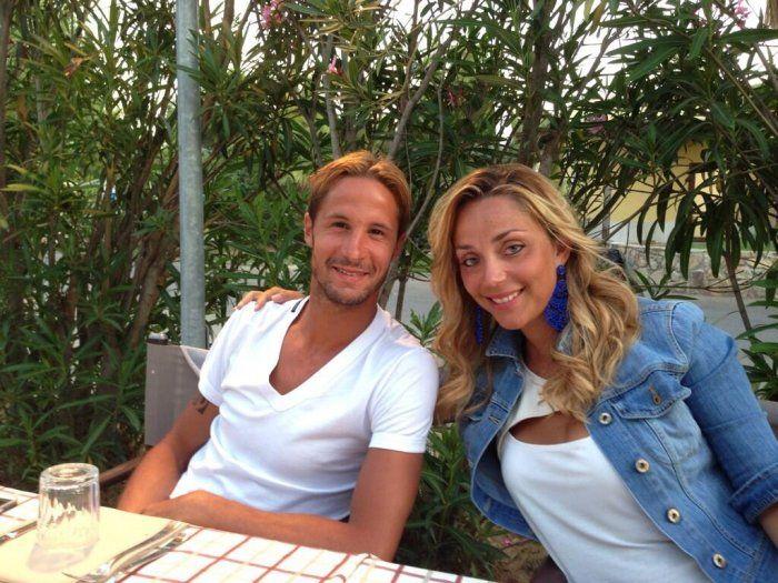 La moglie di #Antonini felice per l'esonero di Allegri, polemica su #Twitter #calcio