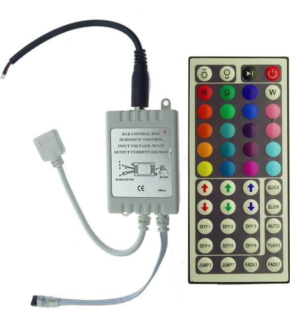 Controlerul RGB 6A insotit de telecomanda cu 44 canale va permite un numai mai mare de optiuni pentru jocul de lumini si este practic pentru Banda LED RGB alimentata la tensiune 12V.