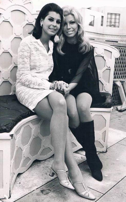 Nancy and Tina Sinatra.