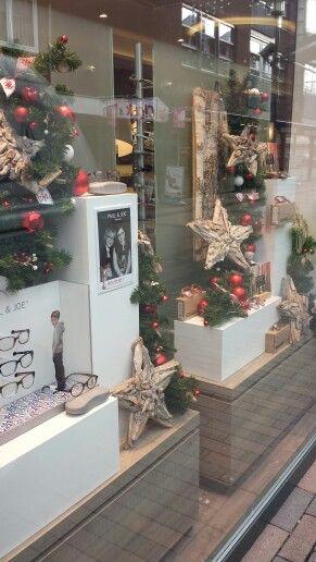 Kerstetalage Scandinavische styl opticien geëtaleerd door Monica etalage en winkelpresentatie.