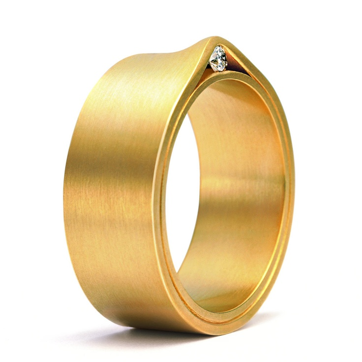 Niessing refuge in 18ct yellow gold