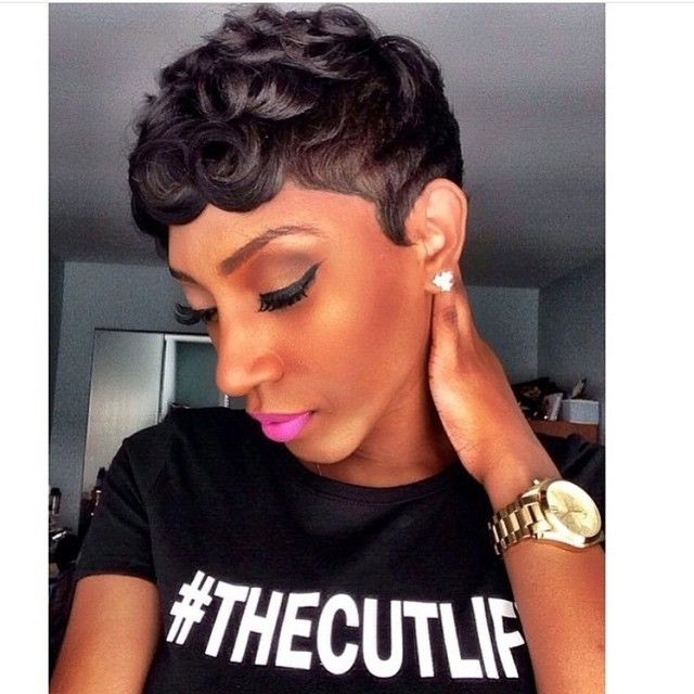 Loose Pin Curls Short Haircut for Black Women