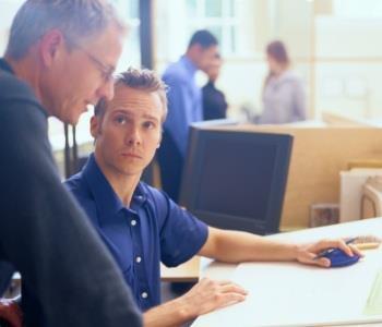 Mentor: por que eu deveria ter um? Um verdadeiro mentor nos ajuda a ser uma pessoa melhor e encontrar um sentido, não só nos negócios, mas também na vida.  http://www.endeavor.org.br/endeavor_mag/gente-gestao/treinamento-e-desenvolvimento/mentor-por-que-eu-deveria-ter-um