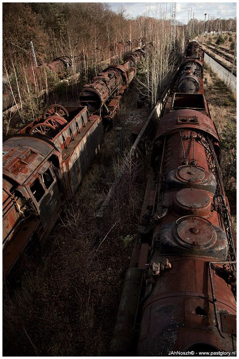 STEAM LOCOMOTIVES GRAVEYARD