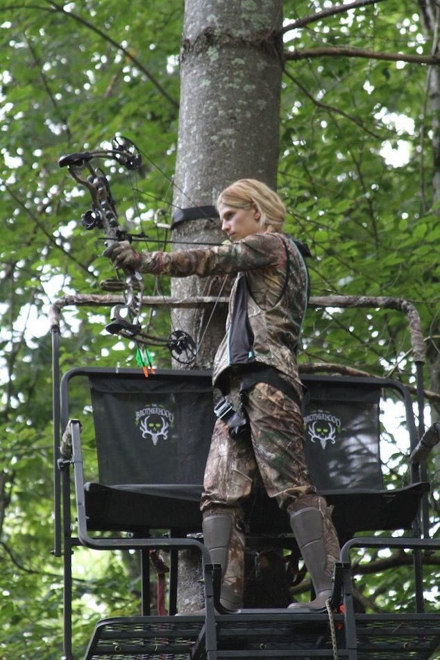 ALWAYS be SAFE - This is a ‪#‎MustRead‬ from Kristen Schmitt! Five bowhunting and tree stand safety tips http://www.womensoutdoornews.com/2014/09/five-bowhunting-tips-tree-stand-safety-tips/ ‪#‎treestandsafety‬ ‪#‎huntingsafety‬  Kristen Schmitt shares tips for bowhunting and tree stand safety.