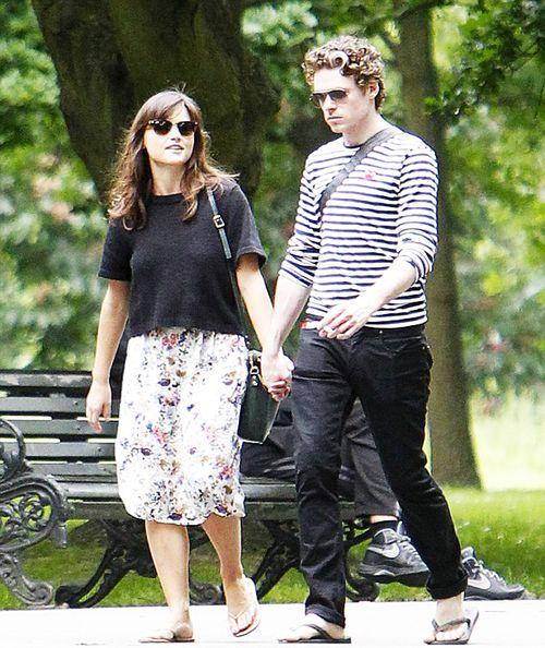 paparazzi stalking their nice romantic walk together - Richard Madden x Jenna Coleman
