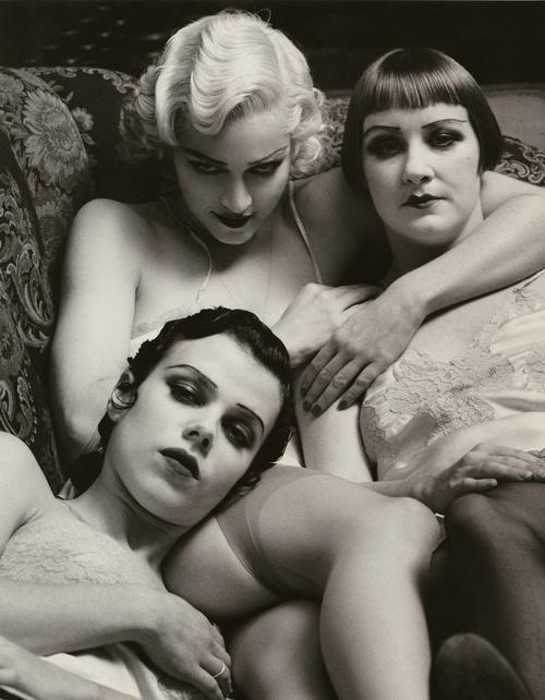 Madonna, Debi Mazar & friend (Girlie Show)
