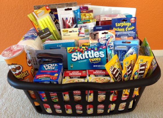 A basket of goodies that can be included in your survival kit. (Credit: Jennifer Hernandez/Pinterest)