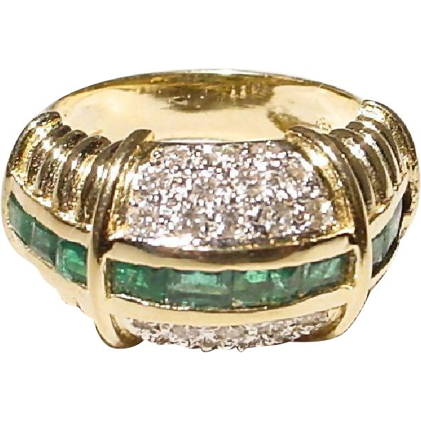 All-Time Beauty Baguette Emerald Diamond Dome Band Ring 18 KT Yellow Gold