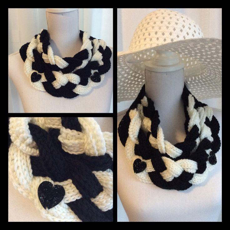 Een persoonlijke favoriet uit mijn Etsy shop https://www.etsy.com/nl/listing/496832822/gehaakte-sjaalcolwrapscarf-in-zwart-en