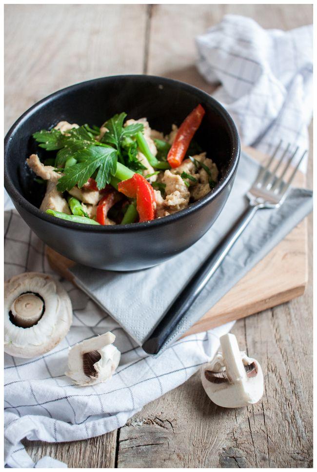 Senfhühnchen mit Bohnen und Paprika - Maille Senf