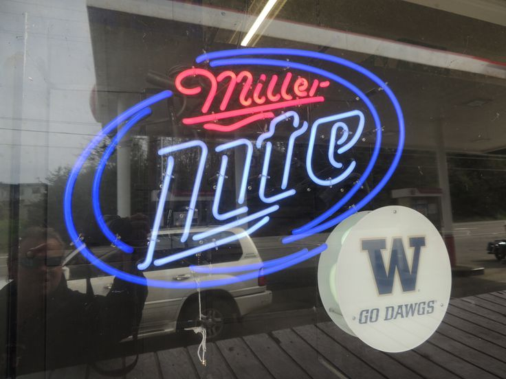Neon Beer Sign Washington Huskys College Football
