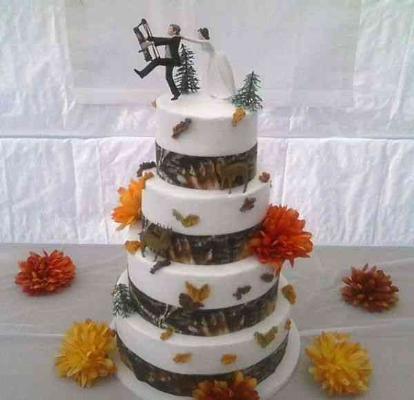 Redneck Cake Images : 17 Best ideas about Redneck Wedding Cakes on Pinterest ...