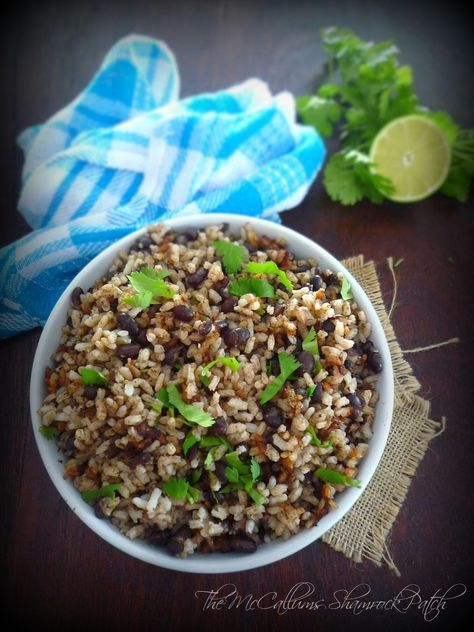 Black Beans & Rice – Costa Rican Gallo Pinto is one of the famous and favorite traditional dishes of gorgeous Costa Rica. It's a dish so versatile to the locals and can be served at alm…