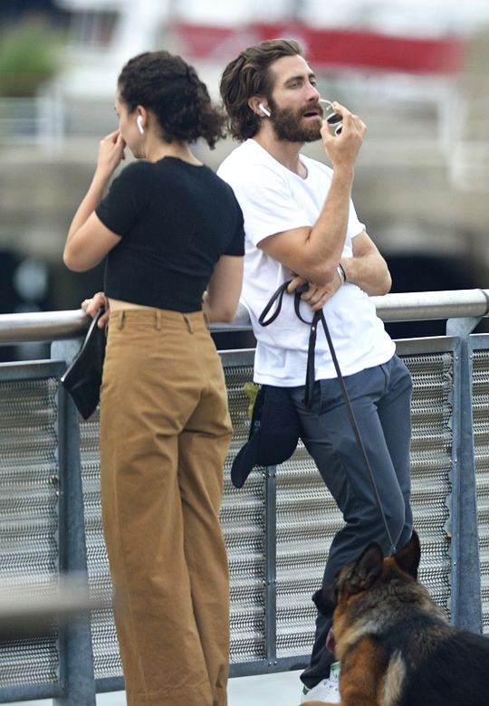 """gyllenhaaldaily: """"Jake Gyllenhaal and Greta Caruso out in New York City on August 11, 2017 """""""