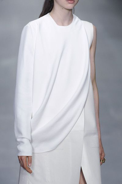Chic white dress, minimalist fashion details // Lucas Nascimento Spring 2015