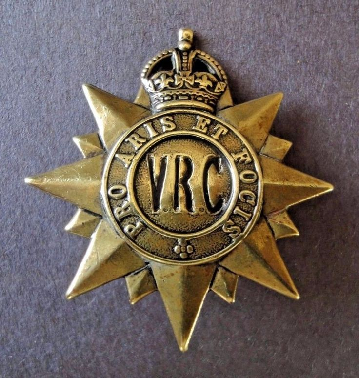 W.W.1 C.E.F. Victoria Rifles of Canada Cap Badge