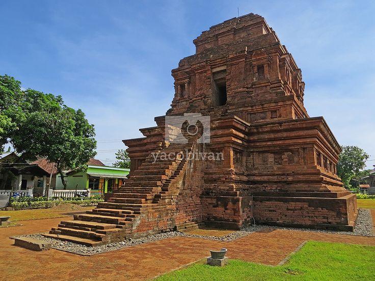 Gunung Gangsir temple, Pasuruan.