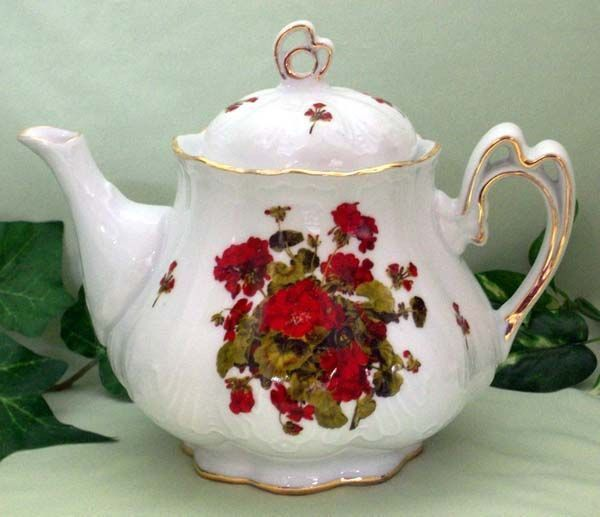 Ashley 5 Cup Hand Decorated Porcelain Teapot - Geranium