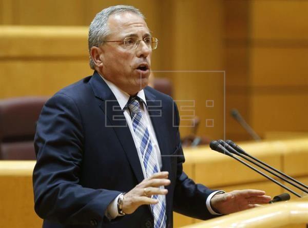 El Senado aprueba por unanimidad de forma definitiva la Ley de Autónomos  ||  El Pleno del Senado ha aprobado hoy de manera definitiva y por unanimidad la nueva Ley de Reformas Urgentes del Trabajo Autónomo, por la que se amplía la tarifa plana de 50 euros y se fijan desgravaci https://www.efe.com/efe/espana/economia/el-senado-aprueba-por-unanimidad-de-forma-definitiva-la-ley-autonomos/10003-3405303?utm_campaign=crowdfire&utm_content=crowdfire&utm_medium=social&utm_source=pinterest
