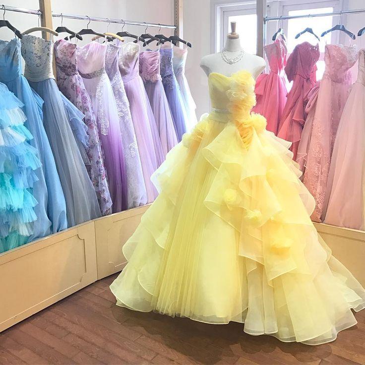 . 美女と野獣テーマにぴったり������ ベルイエローの新作ドレスをご紹介�� たくさんのフリルとチュールで360度どこから見ても可愛いんです�� 高砂でもガーデンでも華やかに見えるって大事なポイントですよね�� . Thank you 2,307 followers✼ . #新作ドレス #イエローフェルダ  #タカミブライダル  #キヨコハタ #ドレス試着 #ドレス迷子 #ドレス探し #カラードレス #カラードレス迷子 #イエロードレス  #美女と野獣 #美女と野獣テーマ  #ベルイエロー  #プリンセスウェディング #テーマウェディング #アニヴェルセル東京ベイ #日本中のアニ嫁さんと繋がりたい  #プロポーズされたみんなに教えたい  #春婚 #アニヴェルセル #プレ花嫁 #アニ嫁 #ブライダルフェア  #ウェディングニュース #marryxoxo #yellowdress #takamibridal #weddinggown  #beautyandthebeast #wedding…