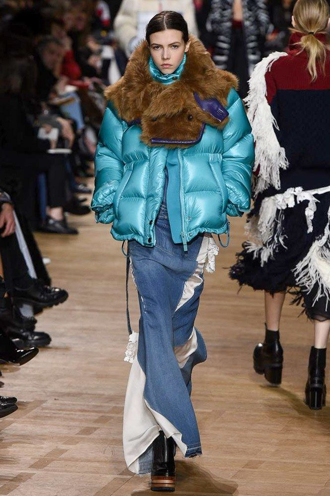 See the complete Sacai Fall 2017 Ready-to-Wear collection.