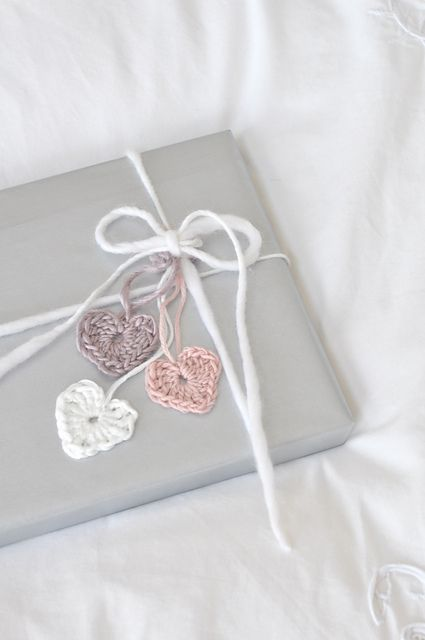 Crochet Hearts ~ pattern / gift wrapping