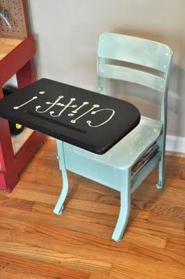 I have an old desk and this would be perfect! Chalkboard top!! Gotta remember this!