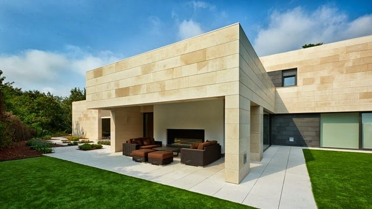 """ Ummphh! ""  Minimalism And Stone Facade by Foraster Arquitectos"