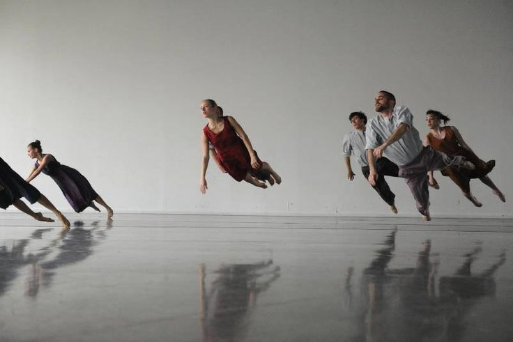 Batsheva Dance Company in Tabula Rasa by Ohad Naharin.    http://highlike.org/text/batsheva-dance-company/ Video - Hubbard Street Dance Chicago: http://highlike.org/video/batsheva-dance-company/