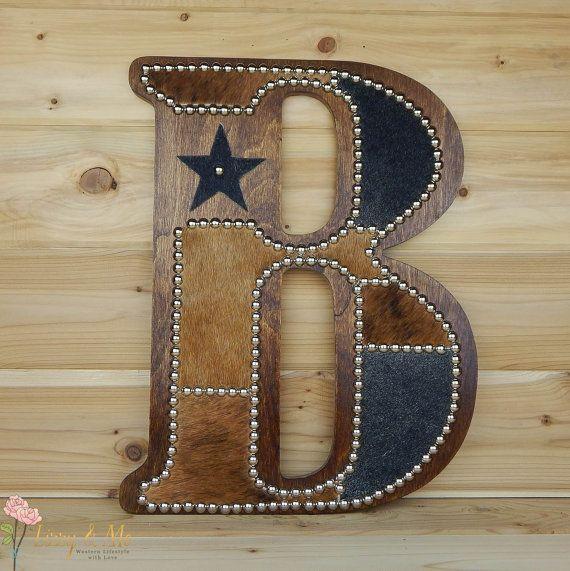 Vaca la pared letra B hecho por encargo Western por LizzyandMe