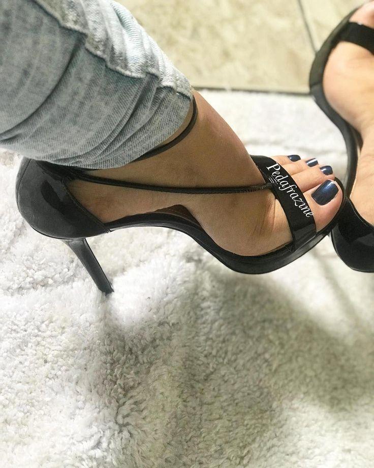 закрыла девушки в фетиш туфлях тематическая подборка для