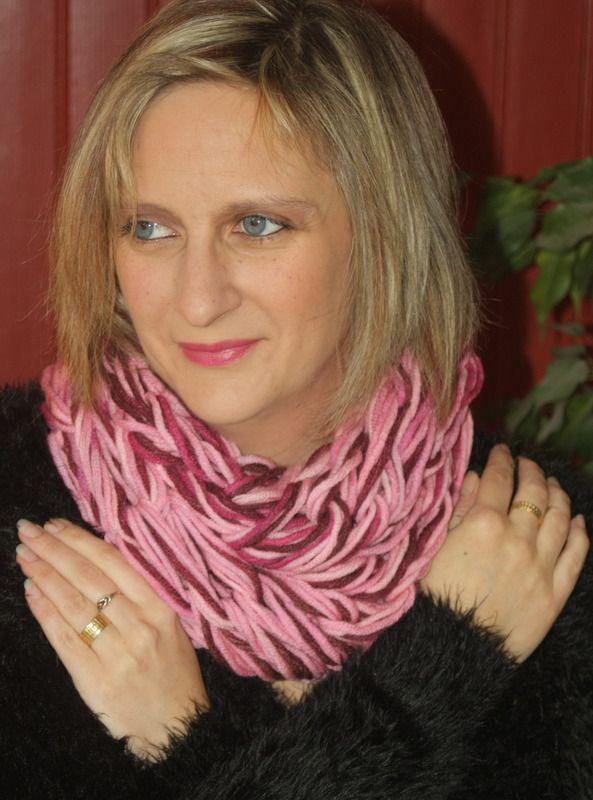 Snood 2 tours rose et prune : Echarpe, foulard, cravate par magalie-tissot-creations