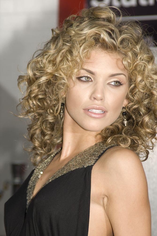 She is my hair role model! Lovely curls Annalynne!