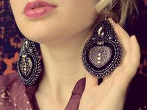 Voyage en Arabie - embroidered earrings