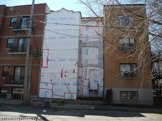 Boarded-up on Therien