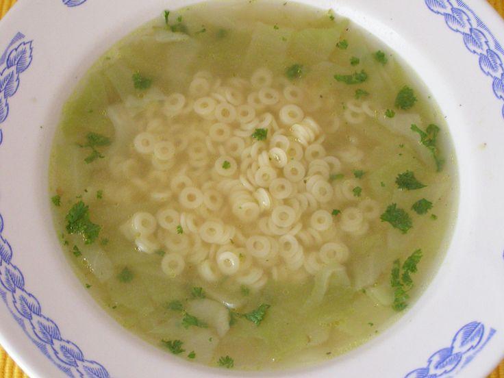 zelná polévka s těstovinou (vývar,česnek)