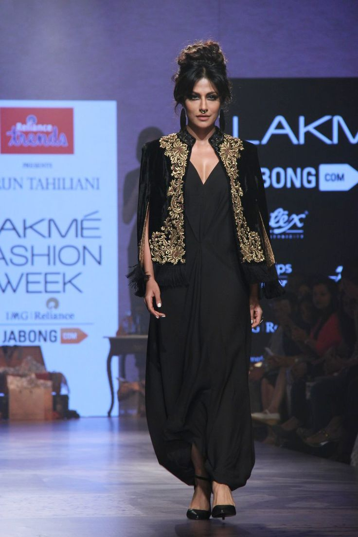 Chitrangada Singh lights up the runway for Tarun Tahilani