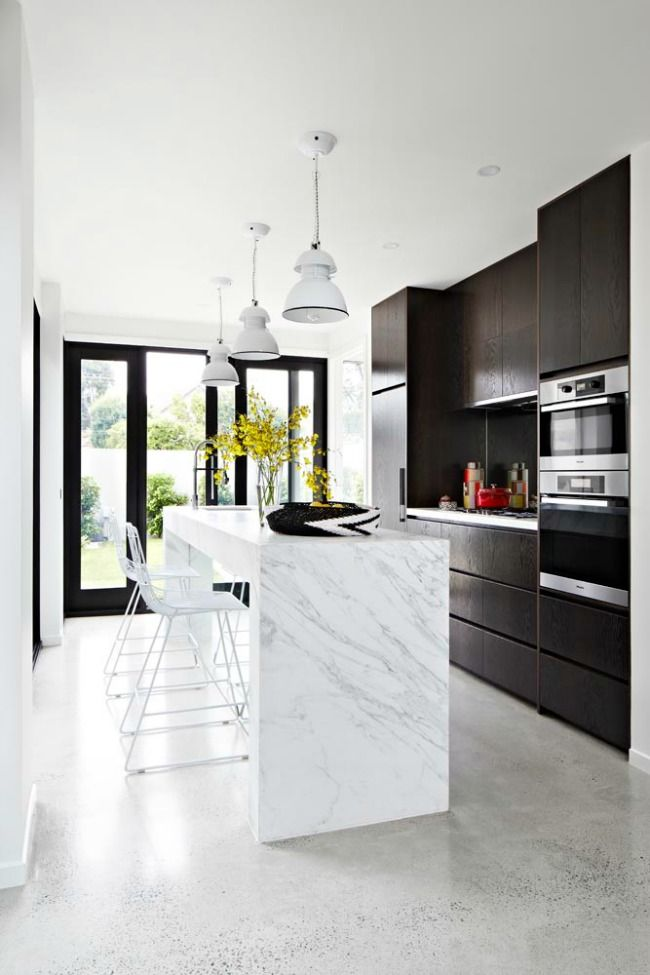 Beautiful modern kitchen mirror splashback marble stone benchtop