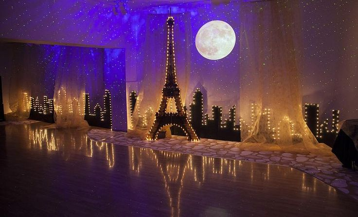 PARIS THEME IDEAS || FREE shipping nationwide with Rent My Wedding.  Easy DIY setup for all rentals.