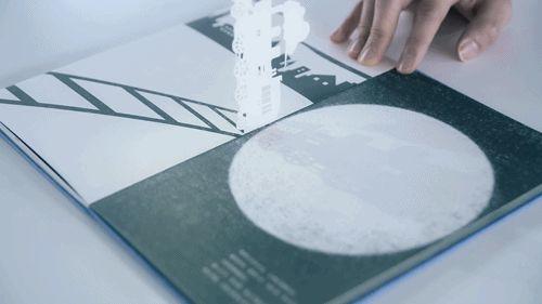 motion-sihouette-storybook-2 >by  Megumi Kajiwara and Tatsuhiko Niijima